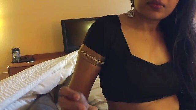 Desgarrando el thusy xx culo de su novia con gafas