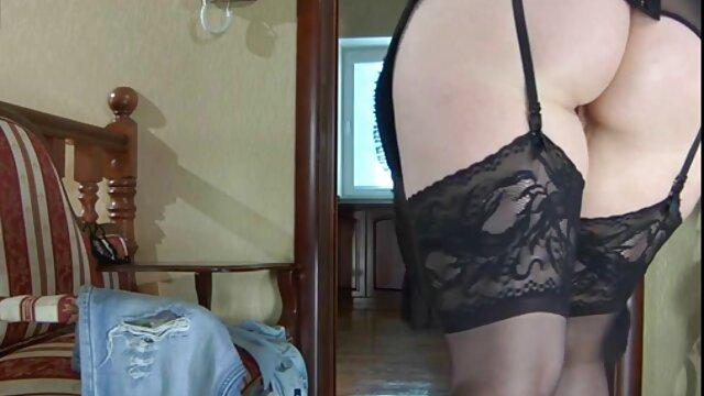 Jessie Jones castiga a la mala niñera videos pirno xx Kimmy Granger con sexo vulva